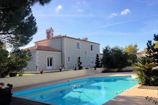 Thumbnail Detached house for sale in 85500, Péault, Mareuil-Sur-Lay-Dissais, La Roche-Sur-Yon, Vendée, Loire, France
