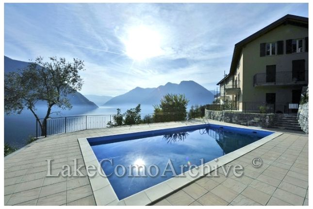 2 bed apartment for sale in Colonno, Lake Como, Italy