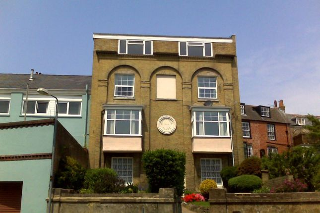Thumbnail Flat to rent in Terminus Road, Cowes