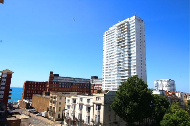 Thumbnail Flat to rent in Sussex Heights St. Margarets Place, Brighton