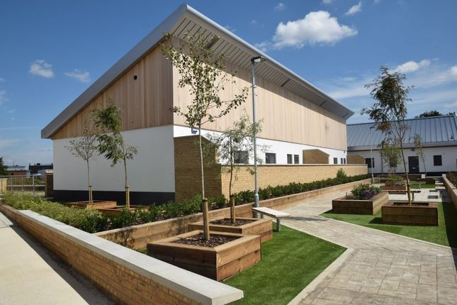 Thumbnail Flat for sale in Spring Vale South, Dartford