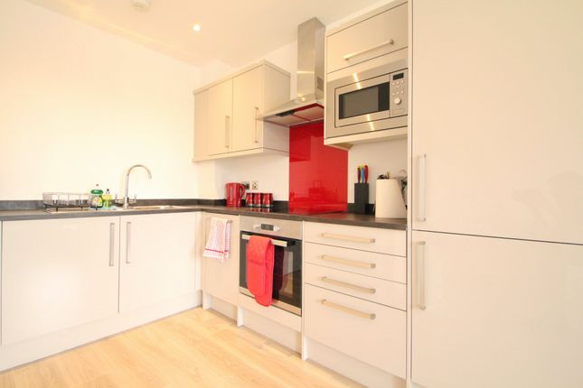 1 bed flat to rent in The Post House, Eastern Avenue