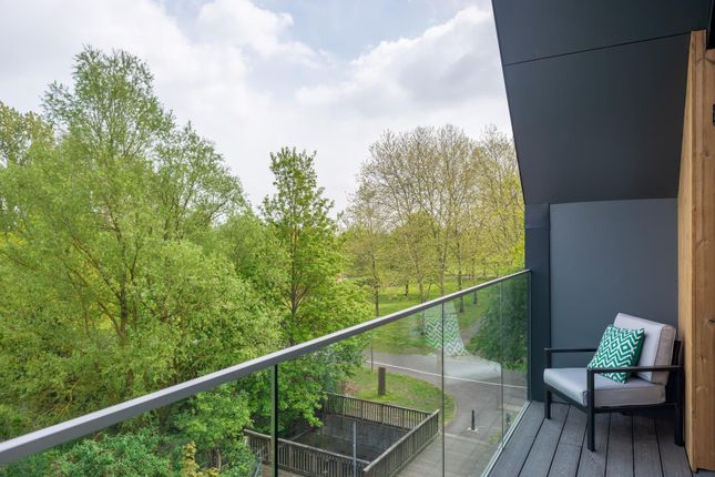 Thumbnail Property for sale in Victoria Way, Ashford