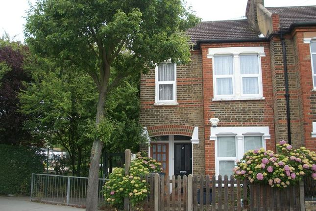 Thumbnail Flat to rent in Dartnell Road, Addiscombe, Croydon