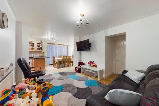 Thumbnail Semi-detached house to rent in Bromefield, Stanmore, Middlesex