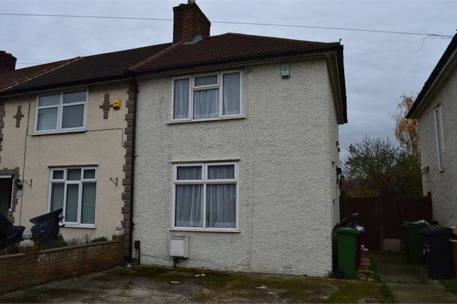 2 bed end terrace house to rent in David Road, Dagenham, Essex
