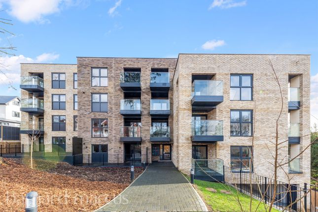 Thumbnail Flat for sale in West Hill, Sanderstead, South Croydon