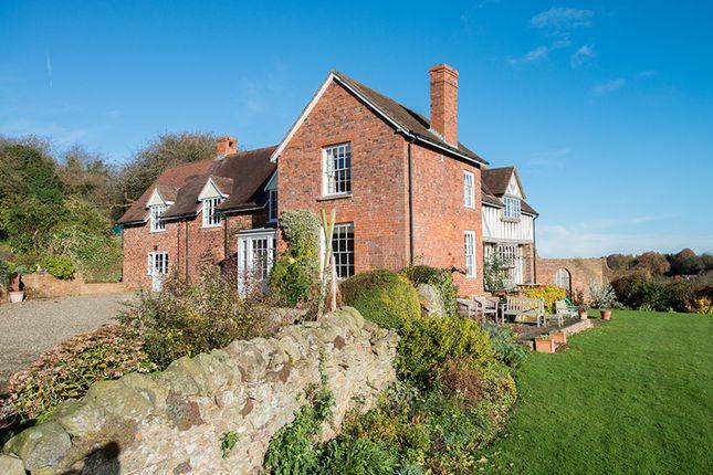 Thumbnail Farmhouse for sale in Clows Top, Kidderminster