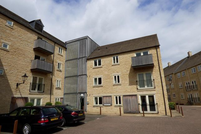 Thumbnail Flat for sale in Riverside Place, Stamford