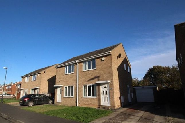 2 bed semi-detached house to rent in Ryedale Way, Selby