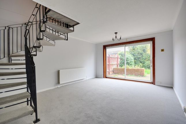 Thumbnail Terraced house to rent in Hindhead Close, Hillingdon, Middlesex