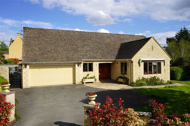 Thumbnail Bungalow for sale in Lifford Gardens, Broadway, Worcestershire