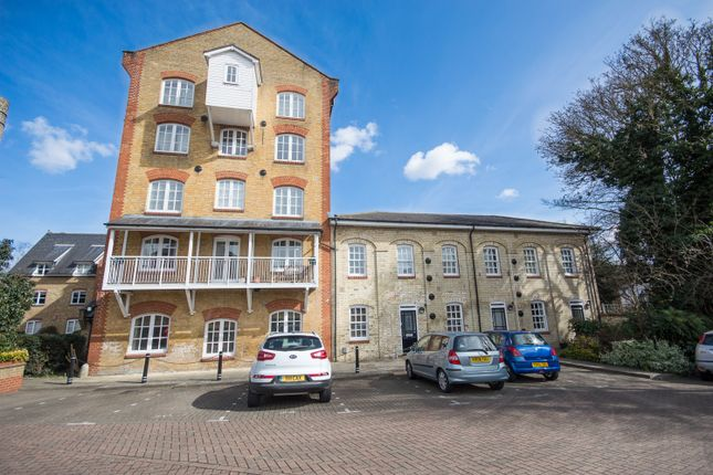 2 bed end terrace house to rent in Sele Mill, North Road, Hertford SG14