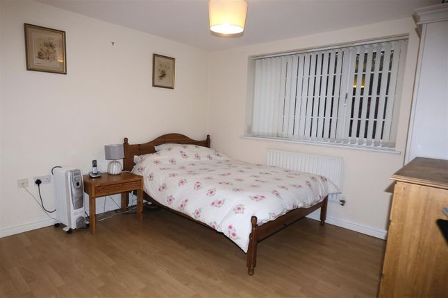 Bedroom 1 of Nailers Green, Greenmount, Bury BL8