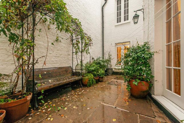 Gloucester Terrace, London W2