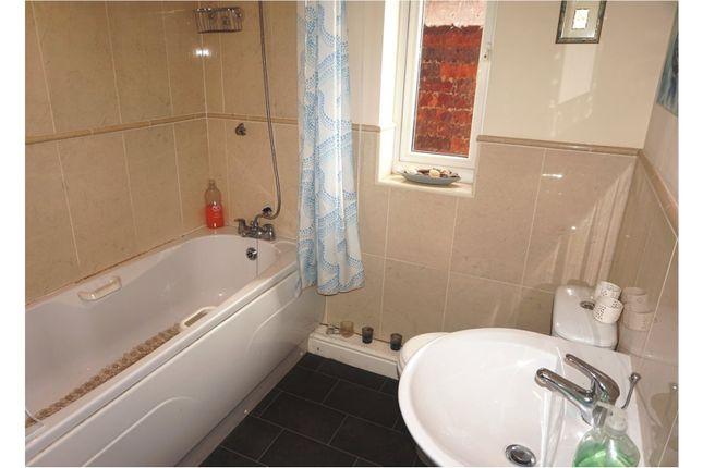 Bathroom of Alma Street, Halesowen B63