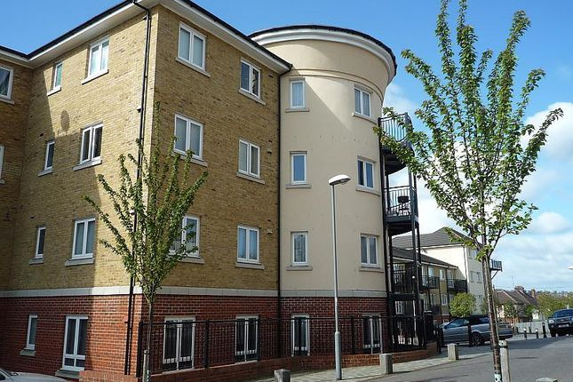 1 bed flat to rent in Mathews House, Tadros Court, High Wycombe