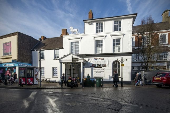 Thumbnail Flat to rent in High Street, Banbury