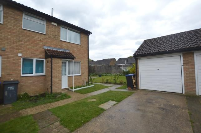 Thumbnail Property for sale in Manorfield Close, Northampton, Northamptonshire