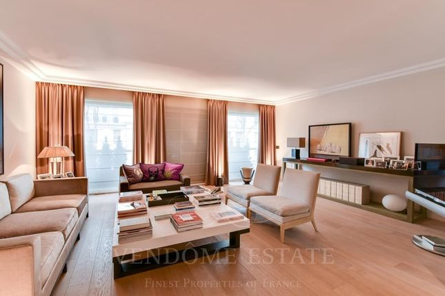4 bed apartment for sale in 75016 Paris, France