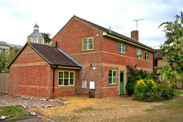 Thumbnail Detached house to rent in Pearce Close, Gough Way, Cambridge