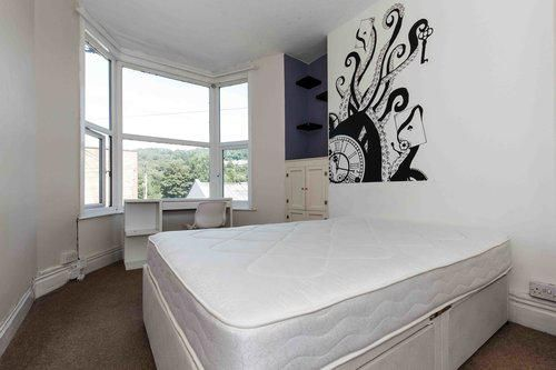 Thumbnail Shared accommodation to rent in Broadway, Pontypridd