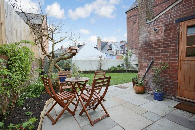 St davids terrace exeter ex4 3 bedroom semi detached for Terrace exeter