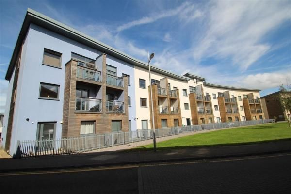 4 bedroom town house to rent in St. Catherines Court, Maritime Quarter, Swansea