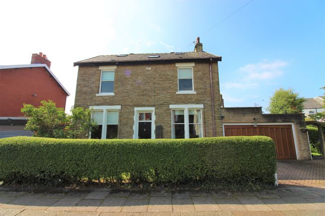 Thumbnail Detached house for sale in Lime Grove, Thornton