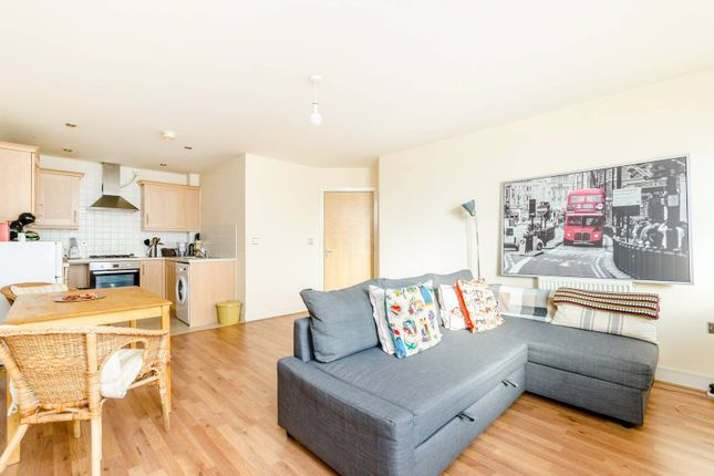 Thumbnail Flat to rent in Pettacre Close, Thamesmead