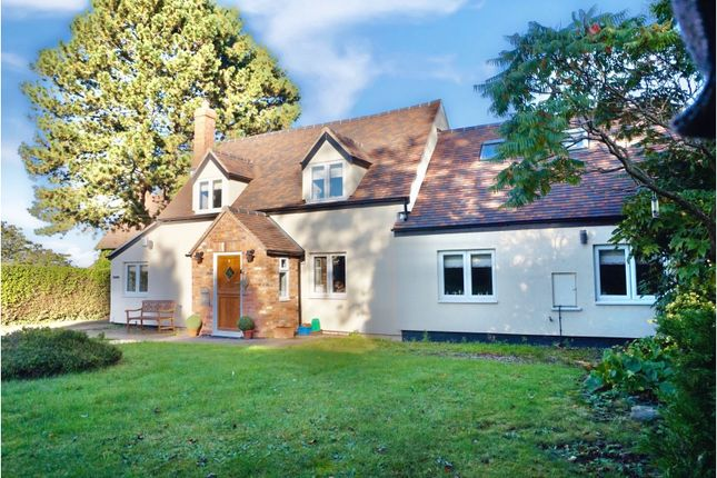 Thumbnail Cottage for sale in Church Road, Tamworth