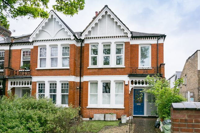 Thumbnail Flat to rent in Weir Road, London