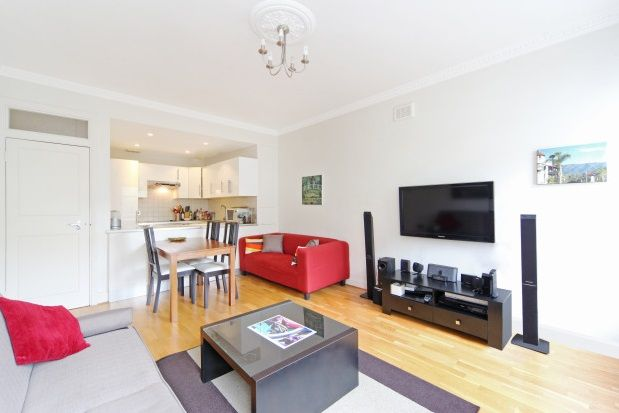 2 bed flat to rent in Emperors Gate, South Kensington