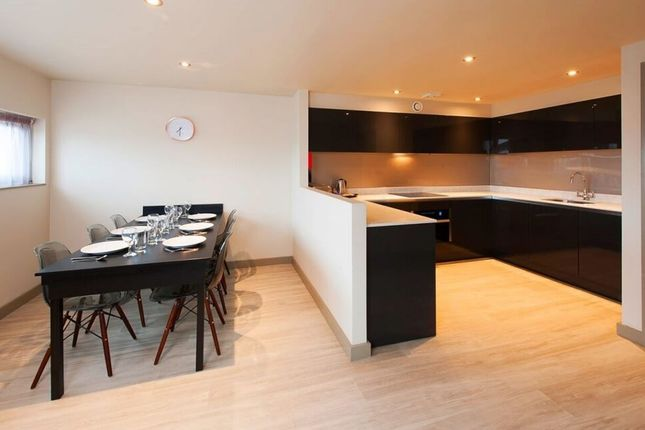 Thumbnail Flat to rent in Ducie Street, Manchester