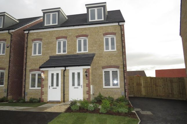 3 bed property to rent in Gainey Gardens, Chippenham SN15