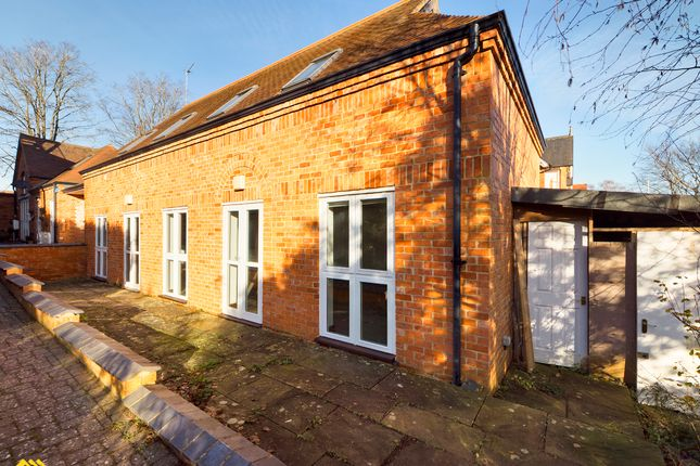 3 bed semi-detached house to rent in The Coach House, 61 Hightown Road, Banbury OX16