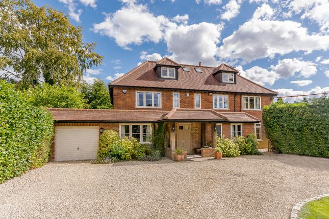 Thumbnail Detached house for sale in Parkfield Avenue, Amersham