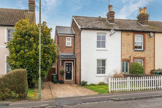 3 bed end terrace house to rent in Allingham Road, Reigate