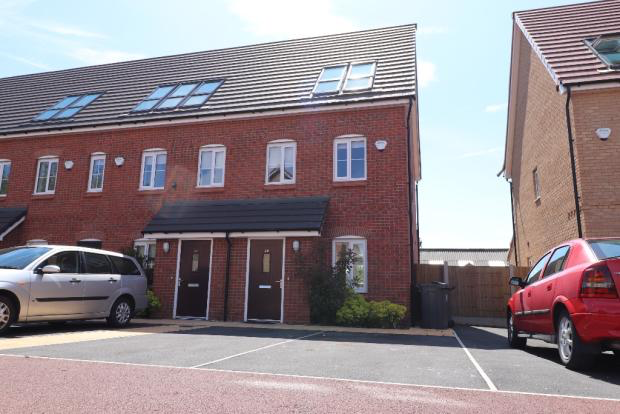 Thumbnail Town house to rent in Pool Avenue, Prescot