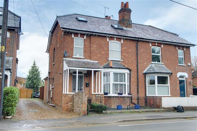 3 bed property for sale in London Road, Aston Clinton, Aylesbury