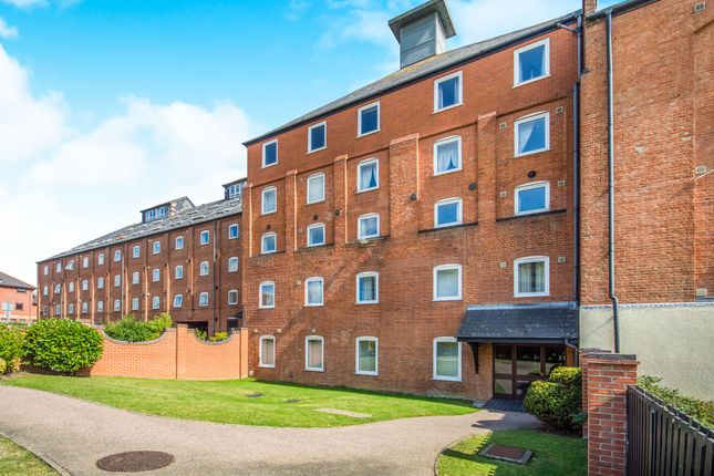 Thumbnail Flat for sale in Swonnells Walk, Lowestoft