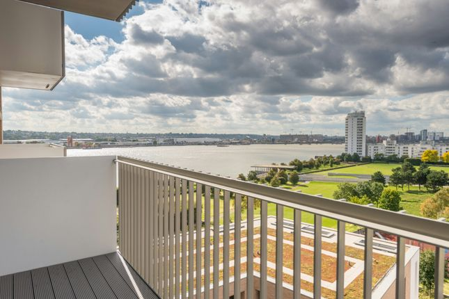 Balcony of Waterside Park, Waterside Heights, Royal Docks E16