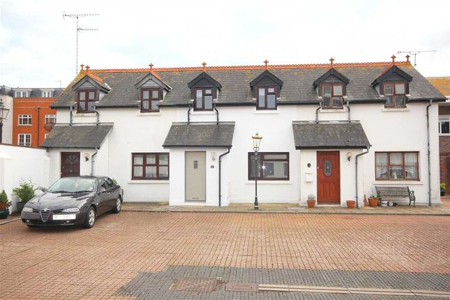 2 bed mews house to rent in Coach House Mews, Gratwicke Road, Worthing BN11