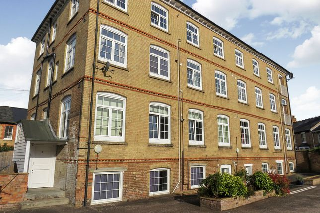 Thumbnail Flat for sale in Richmond Road, Taunton