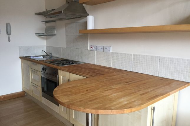1 bed flat to rent in Old Lane, Halifax