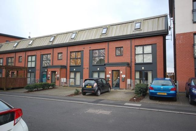 Thumbnail Flat to rent in Rodney Road, Newport