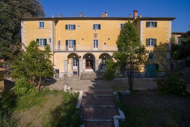 Villa for sale in Villa Marcello, Tuscany, Italy
