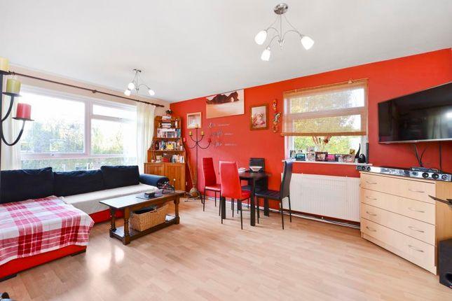 2 bed flat for sale in Azalea Close, London