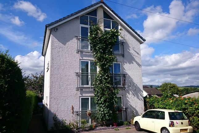 2 bed flat to rent in Blende Road, Llandeilo, Carmarthenshire SA19