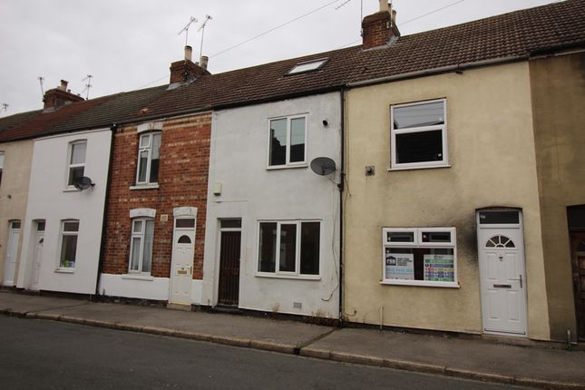 Thumbnail Terraced house to rent in Portland Terrace, Gainsborough